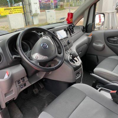 Elektryczny van Nissan e-NV200 - wnętrze. Wypożyczalnia samochodów Mestenza Rafał Grzebin.